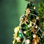 クリスマスツリーの飾りの由来!モールが使われる理由は?
