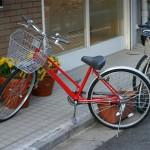 自転車でイヤホンを片耳につけながら運転することは違反なのか!?